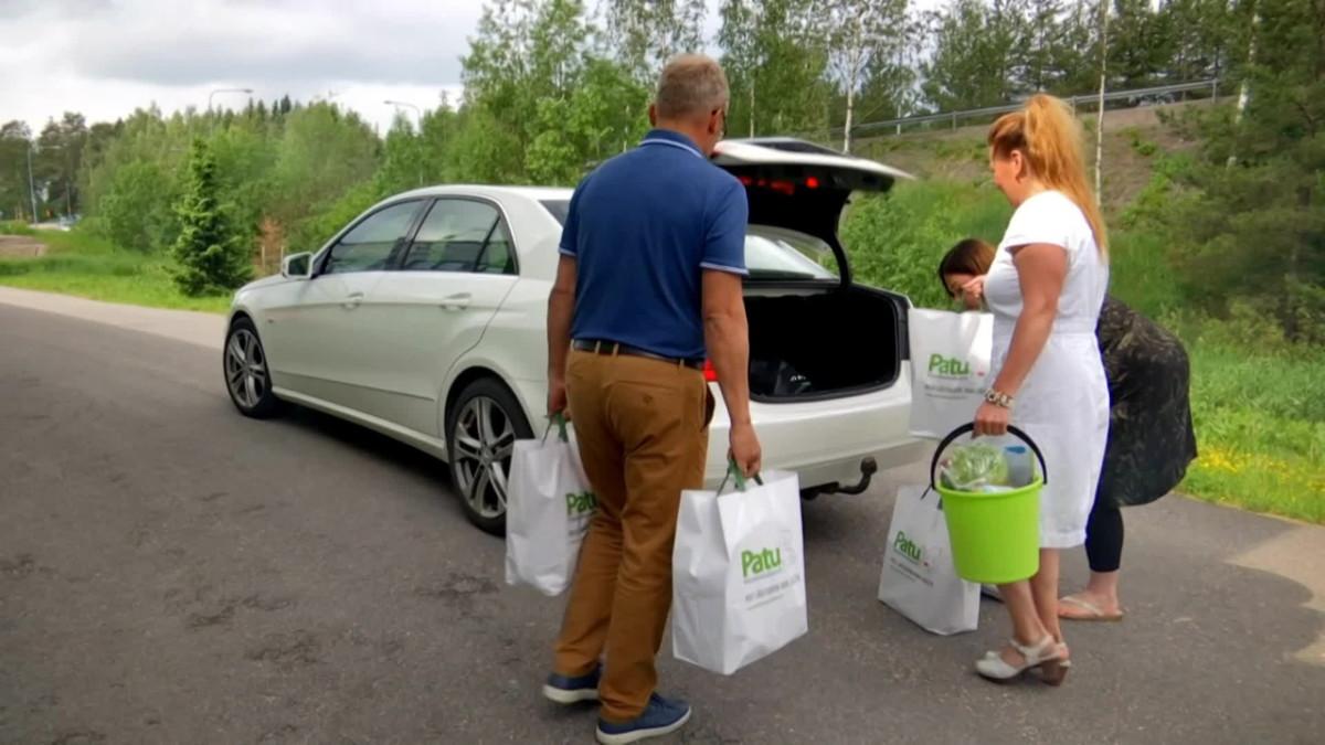 Lapsiperhetoimijat järjestivät yhdessä ruoka-apua pulassa oleville perheille