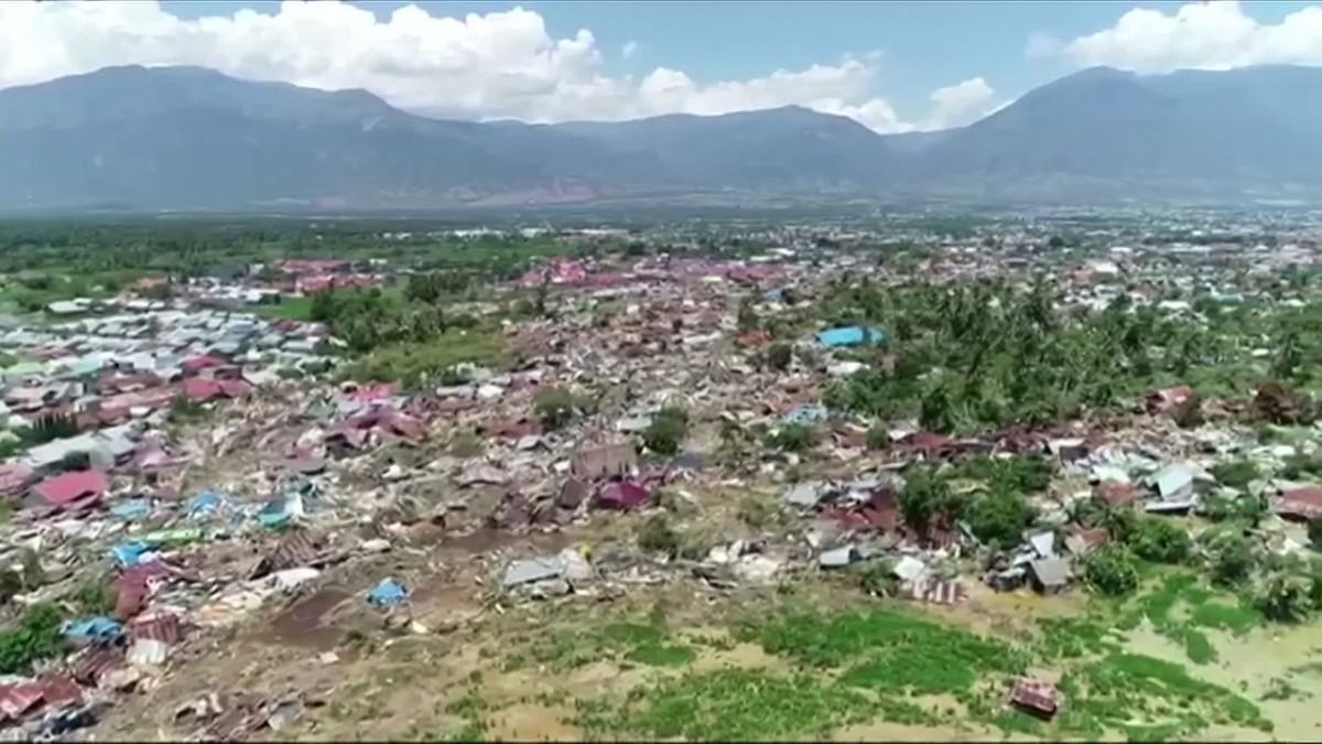 Ilmakuvat näyttävät Indonesian tuhon laajuuden