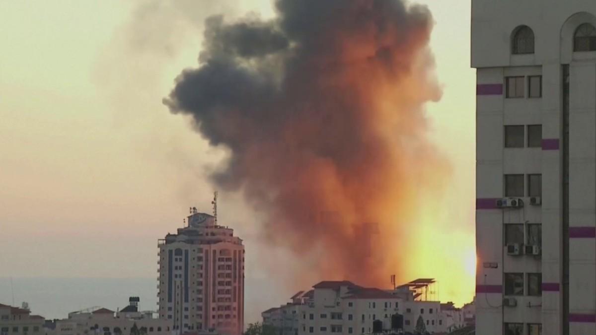 Israel jatkaa Gazan pommittamista