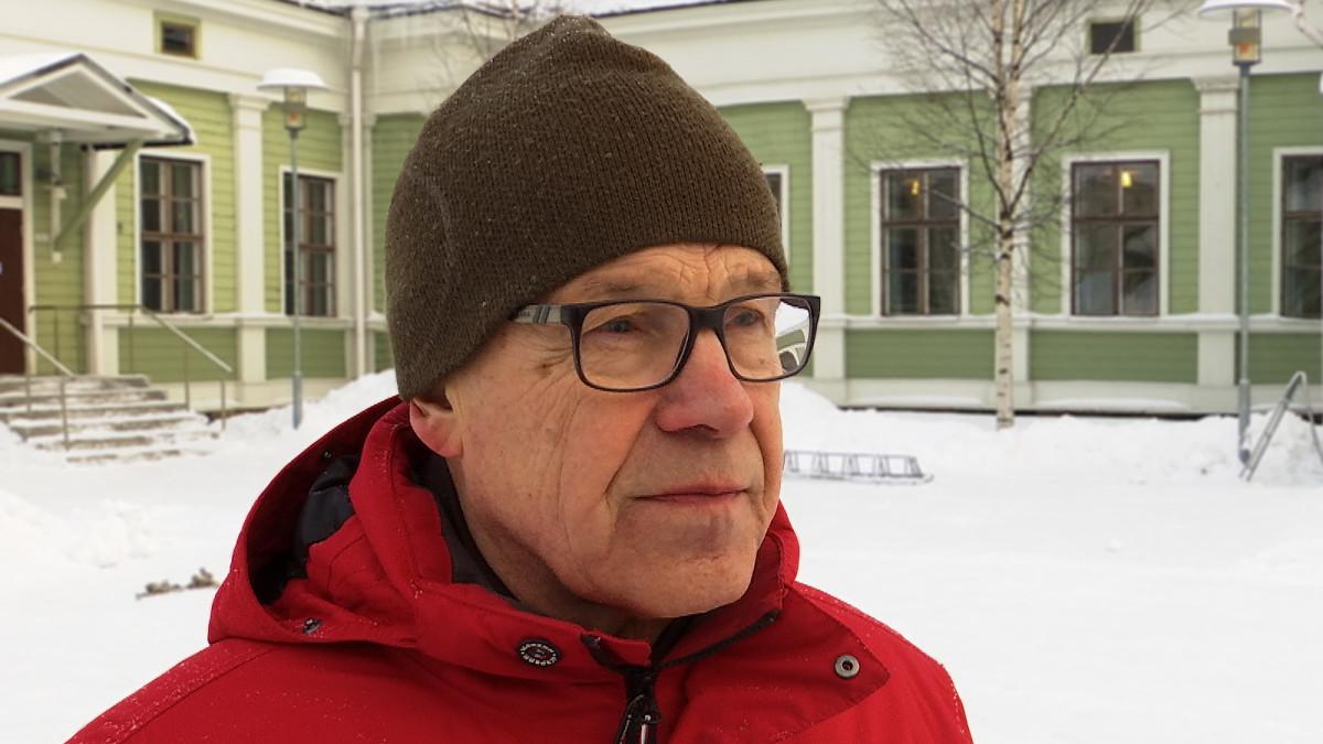 Oulun yliopiston historian emeritus professori Olavi K. Fält.