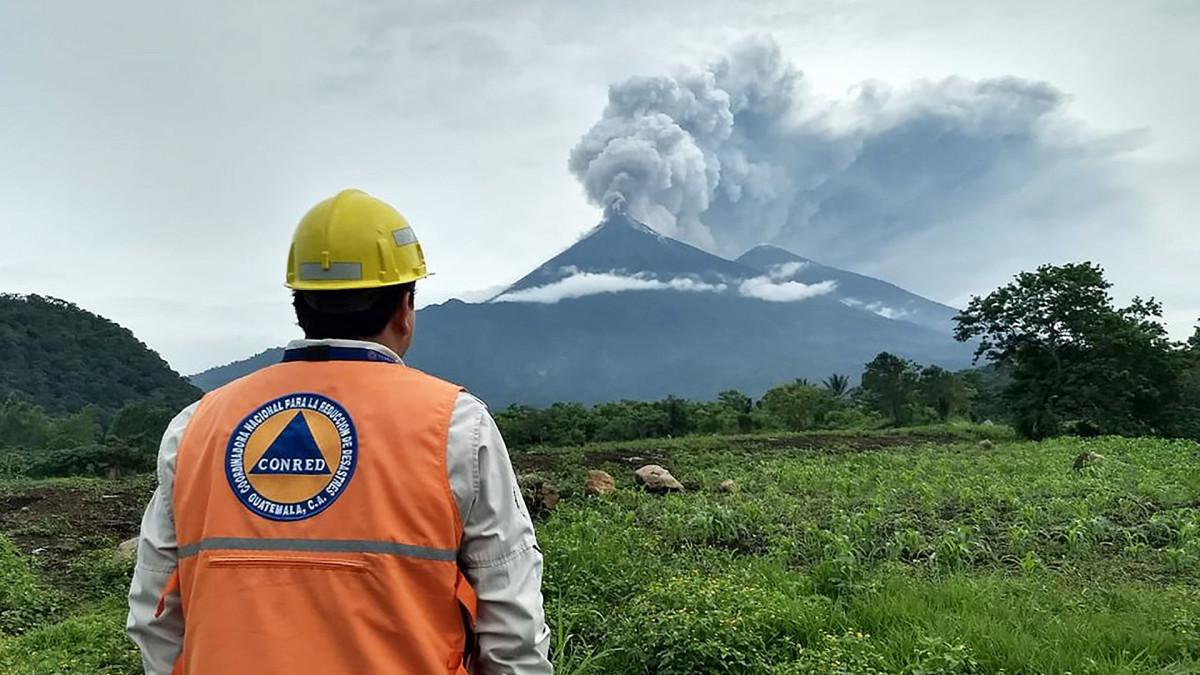 Tulivuori Fuego purkautumassa Guatemalassa 3. kesäkuuta.