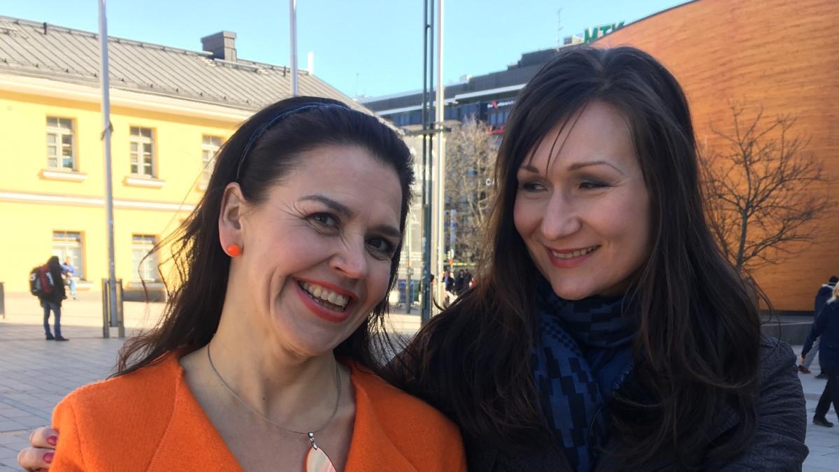 Jaana Hautala ja Helena Lappeteläinen