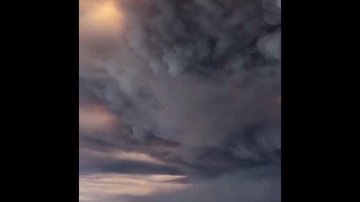 Metsäpalojen aiheuttama savu pimensi taivaan Etelä-Kaliforniassa.