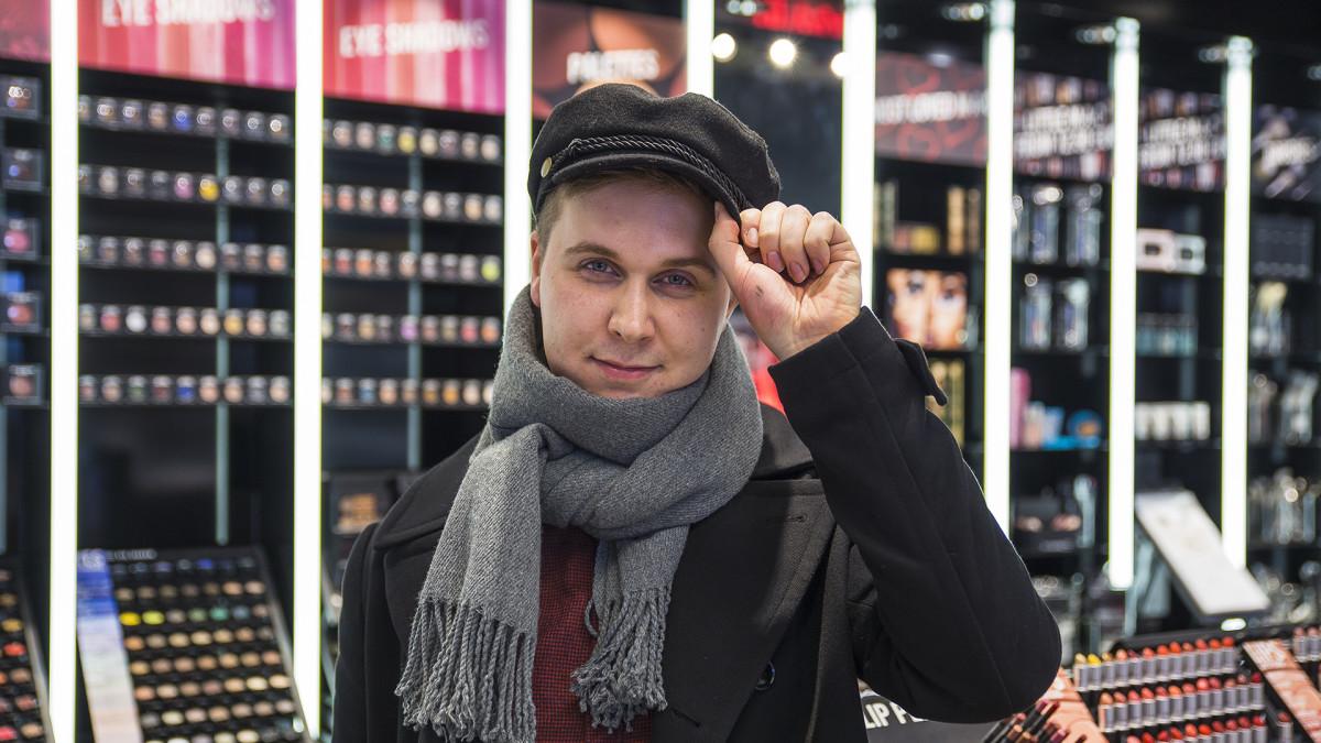 Ville Kekäläinen Drag-taiteilija Linnea von Kattendam