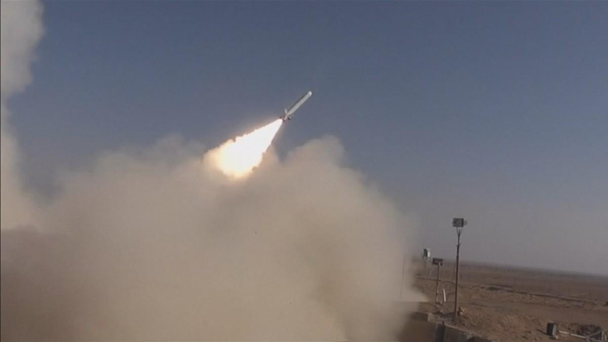 Kuvakaappaus Iranin puolustusministeriön julkaisemasta videosta.