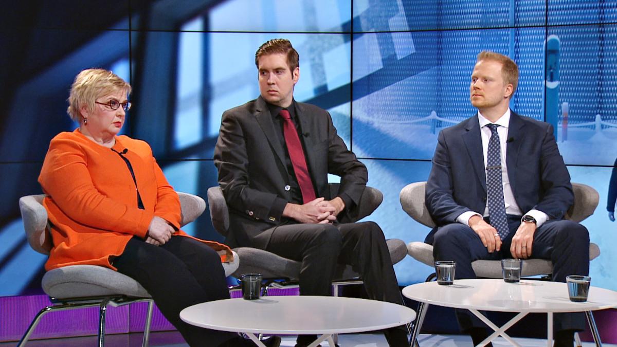Tarja Mankkinen, Juha Saarinen ja Pekka Hiltunen.