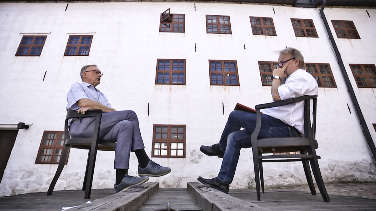 Allan Rosas ja Ari Mölsä Turun linnan pihalla 25. heinäkuuta 2019.