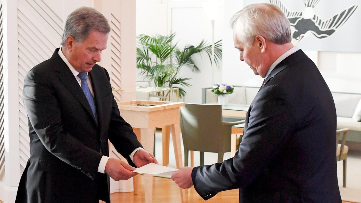 Antti Rinne jättää eropyyntönsä presidentille.