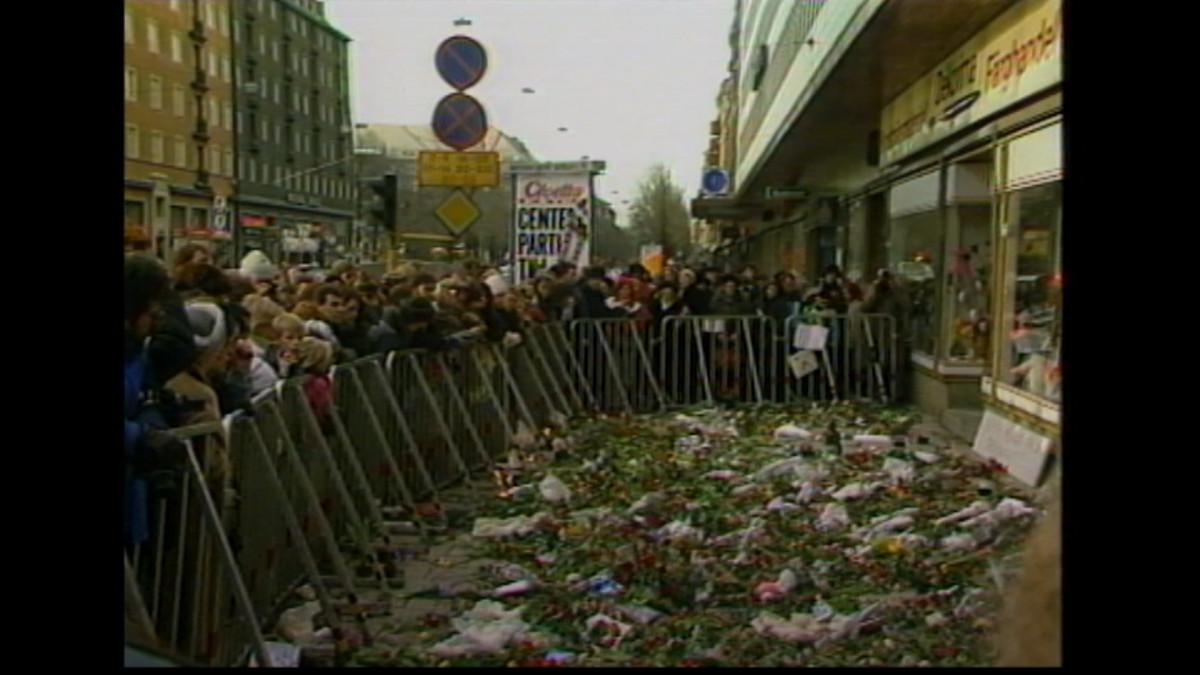 Surijoita Olof Palmen surmapaikalla 2.3.1986
