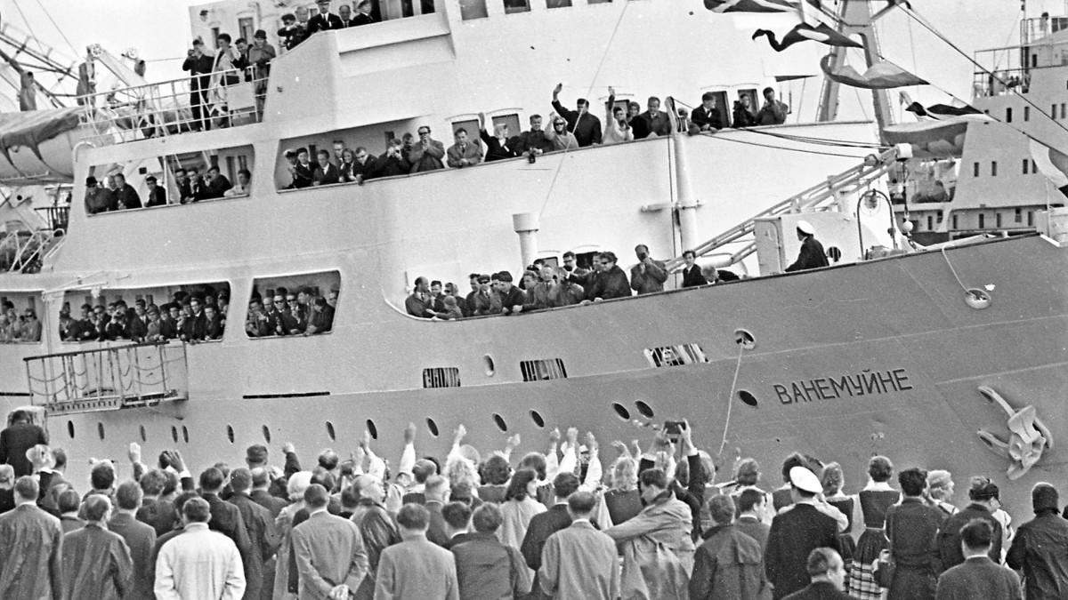Ensimmäinen matkustajalaiva Suomenlahden yli 26:een vuoteen, Vanemuine.