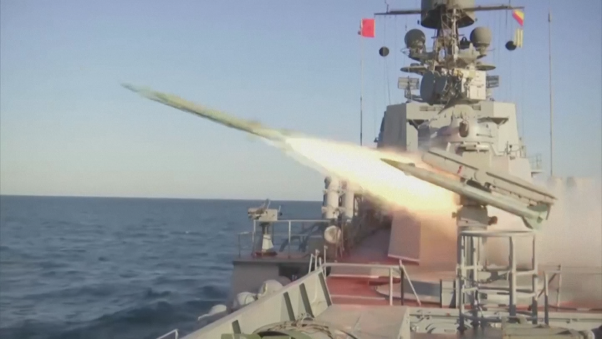 Venäjän laivasto harjoittelee Kaspianmerellä