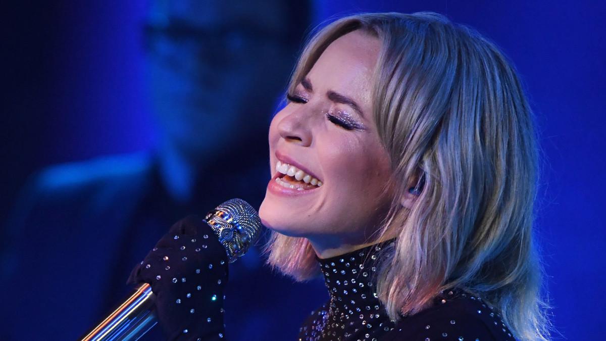 Paula Vesala esiintyi The Voice of Finlandin finaalin suorassa lähetyksessä Turun Logomossa 25. syyskuuta 2020.