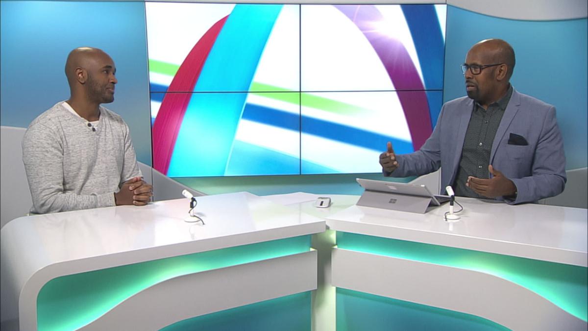 uutistenlukija Wali Hashi haastattelee Sharmare Abukaria