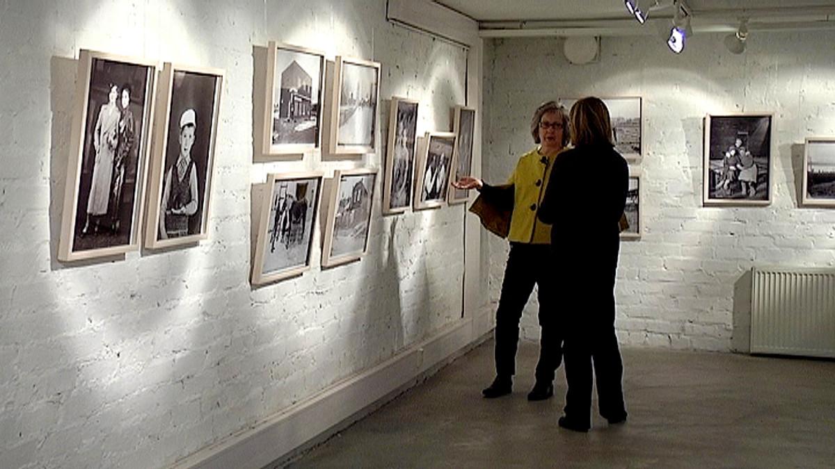 Laura Luostarinen esittelee Dimitrij Belinskijn valokuvia