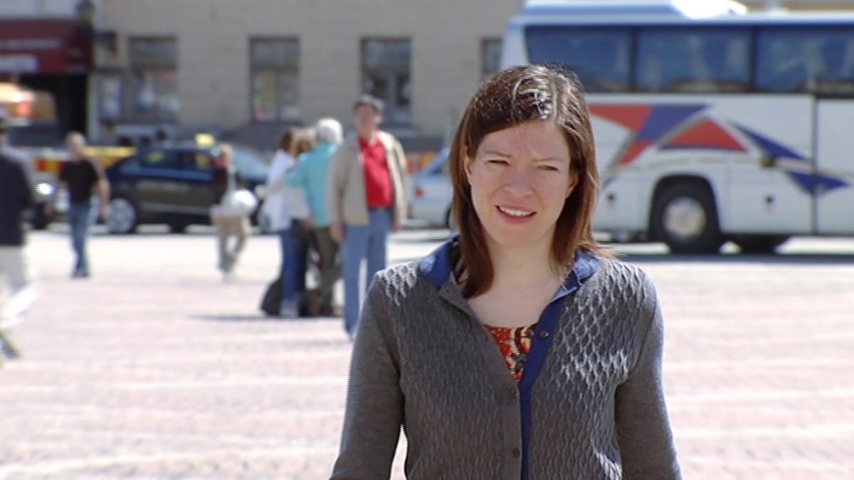 Vihreiden puheenjohtaja Anni Sinnemäki.