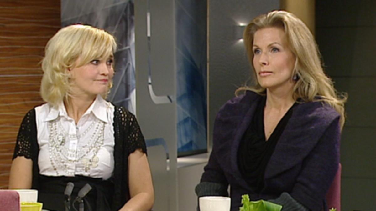 Satu Taiveaho ja Tanja Karpela Aamu-tv:n studiossa.