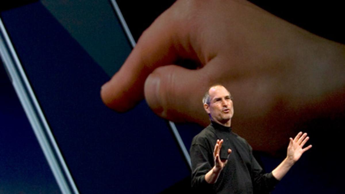 Applen toimitusjohtaja Steve Jobs iPhonen esittelytilaisuudessa