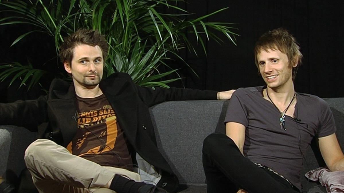 Muse-yhtyeen Matthew Bellamy ja Dominic Howard haastattelussa.