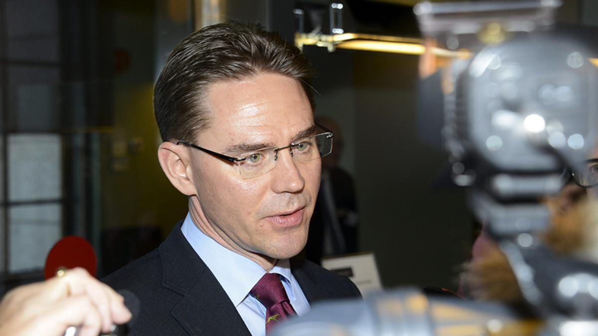 Pääministeri Jyrki Katainen (kok.) kommentoi hallituksensa kehitysministerin Heidi Hautalan eroa ennen eduskunnan täysistuntoa Helsingissä 11. lokakuuta.