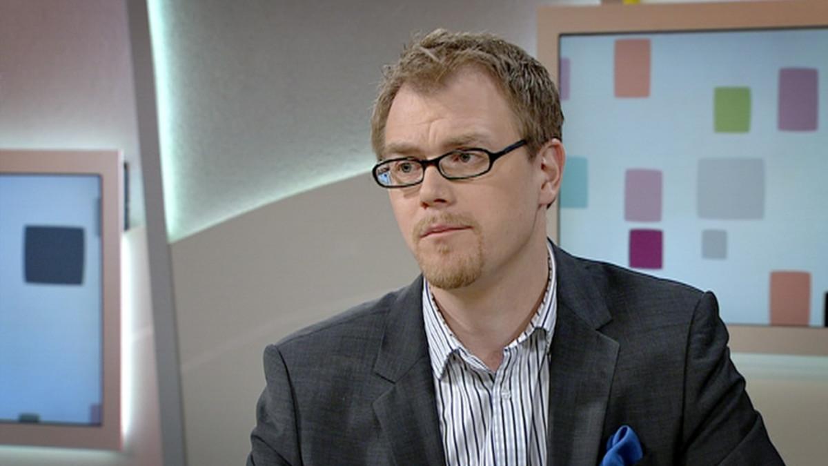 Lääketieteen ja kirurgian tohtori Markus Wiksten kertoi Aamu-tv:ssa dementian oireista.