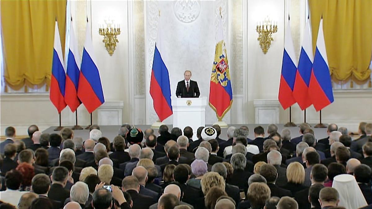 Venäjän presidentti Vladimir Putin puhuu duumassa Krimin liittämisestä Venäjään.