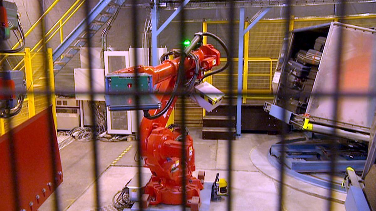 Ahkera matkalaukku-robotti