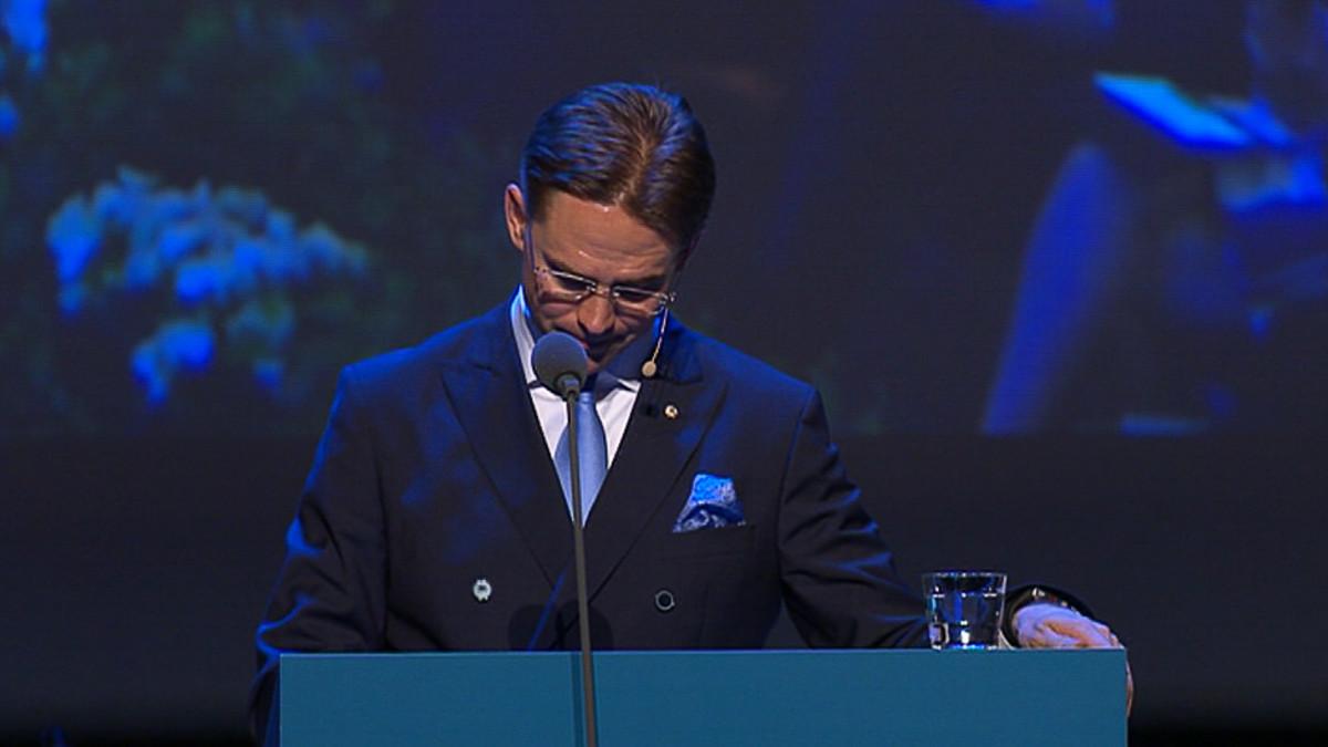 Pääministeri Jyrki Katainen pitämässä jäähyväispuheen kokoomuksen puoluekokouksessa.