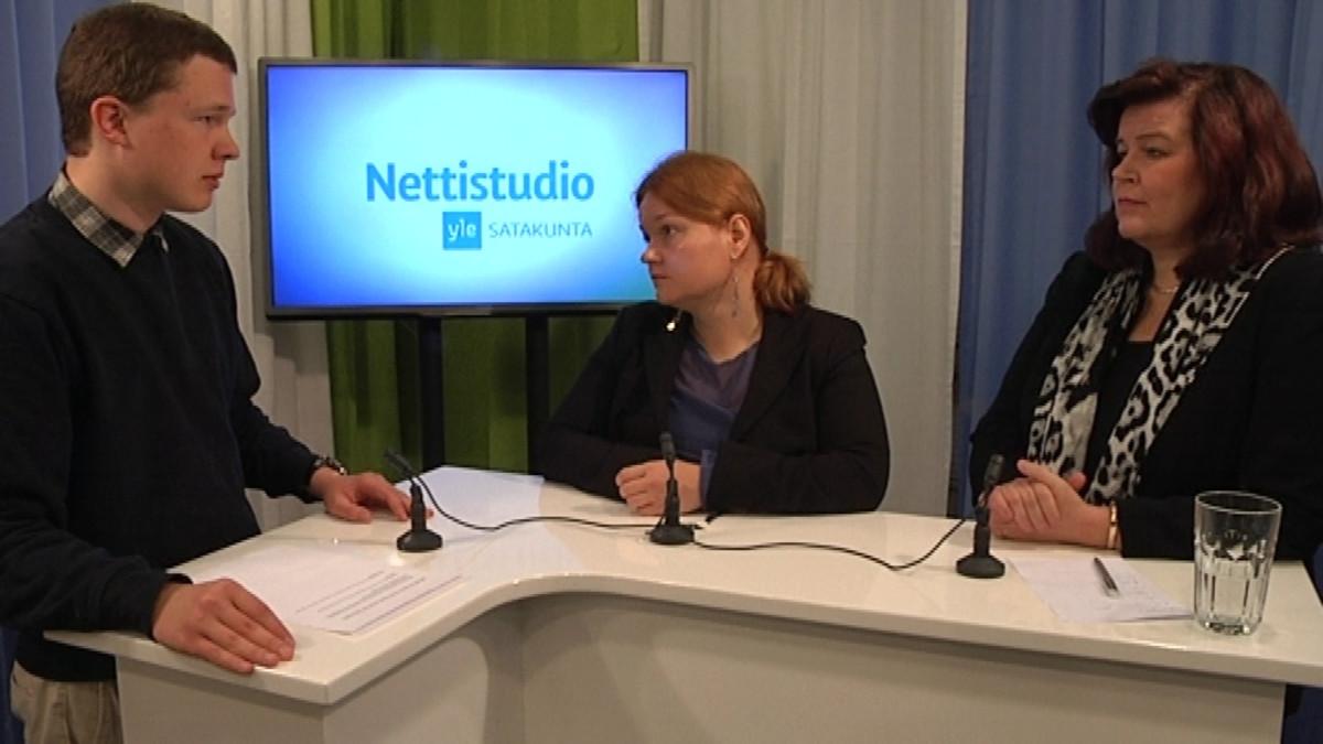 Antti Laakso haastattelee Krista Kiurua (sd.) ja Anne Holmlundia (kok.).