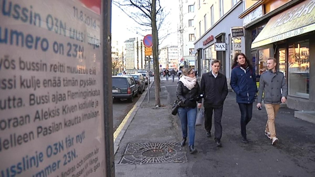 Toimittaja Nina Svahn ja Urban Helsinki ryhmän jäsenet Matti Tapaninen, Niilo Tenkanen ja Timo Hämäläinen.