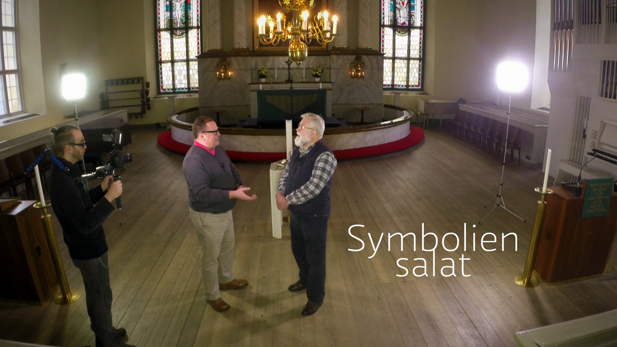Symbolien salat; kirkko; risti