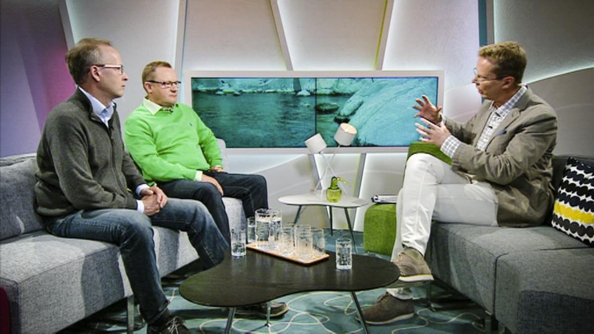 Tutkija Seppo Knuuttila Suomen ympäristökeskuksesta sekä Elävä Itämeri -säätiön (BSAG) perustajajäsen ja hallituksen puheenjohtaja Ilkka Herlin olivat aamu-tv:n vieraina.