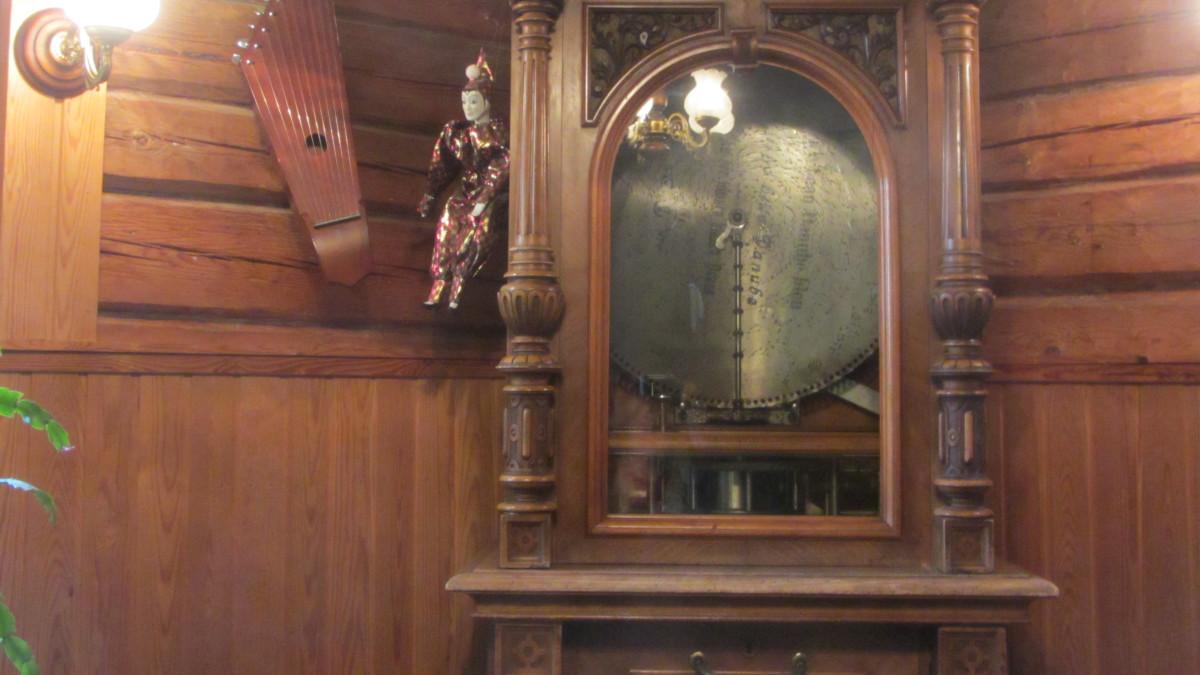 Polyphon-soittokaappi