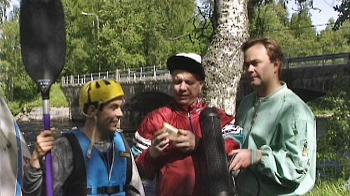Kummelihahmot Timo Silakka (vas.) ja Raimo Vormisto (oik.).