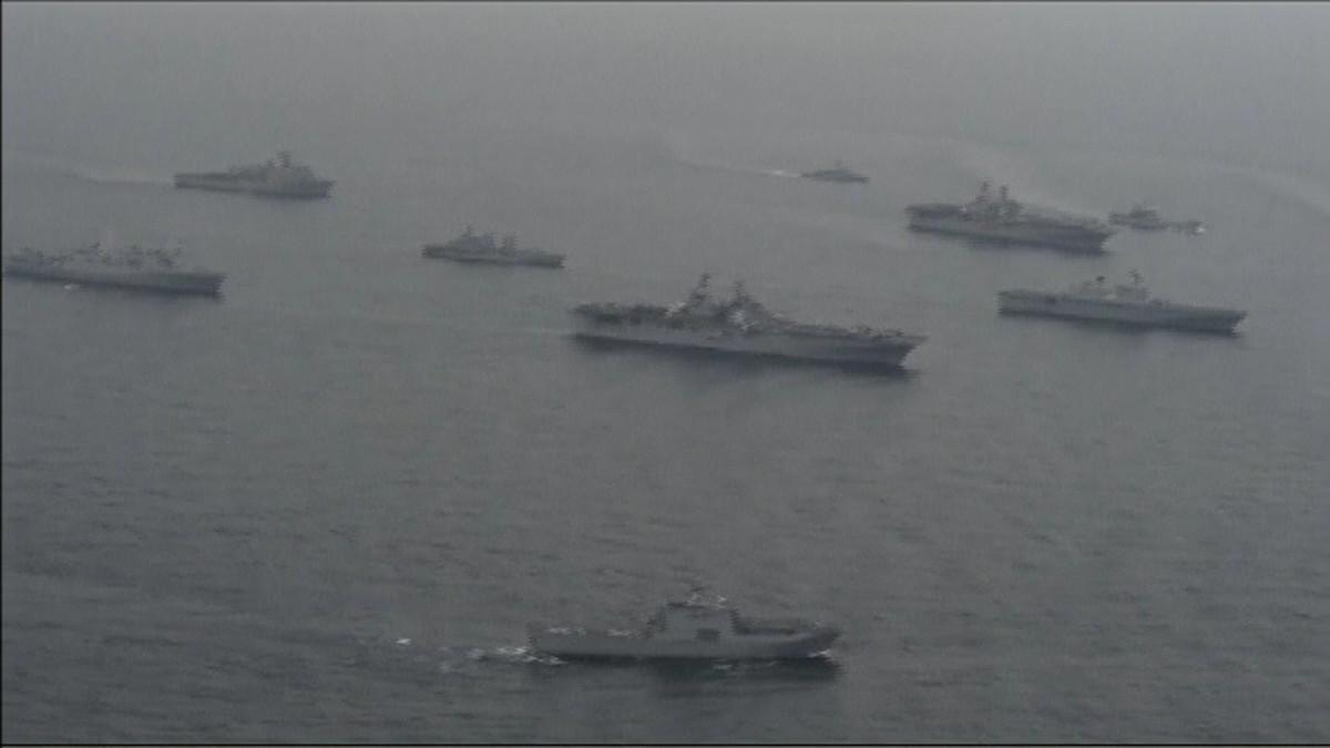 Suuri määrä eteläkorealaisia ja yhdysvaltalaisia laivaston aluksia harjoituksissa Etelä-Korean rannikolla