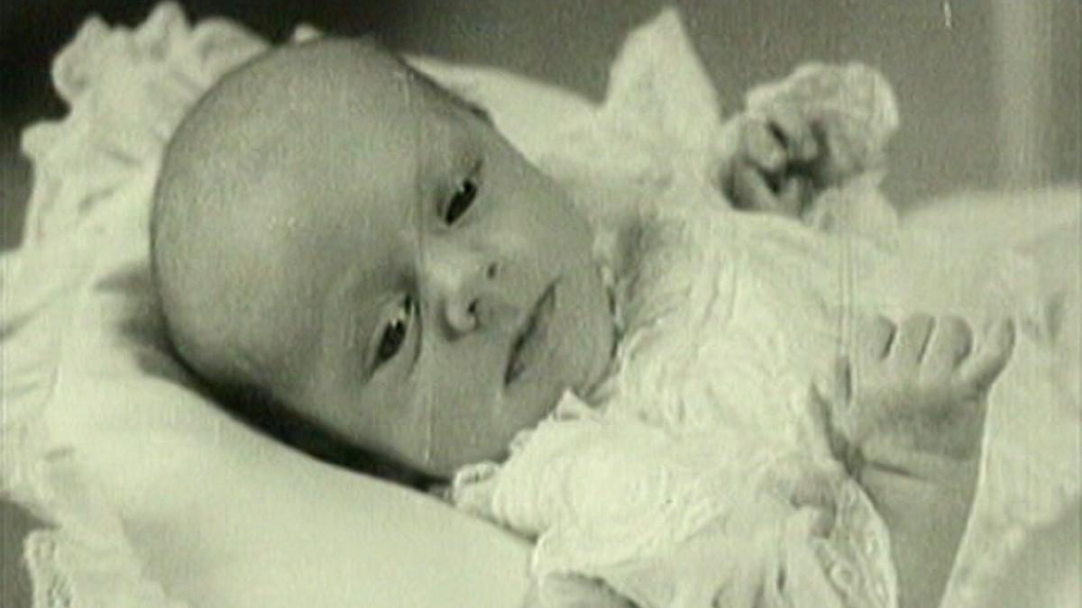 Kuningas Kaarle XVI Kustaa vauvana.