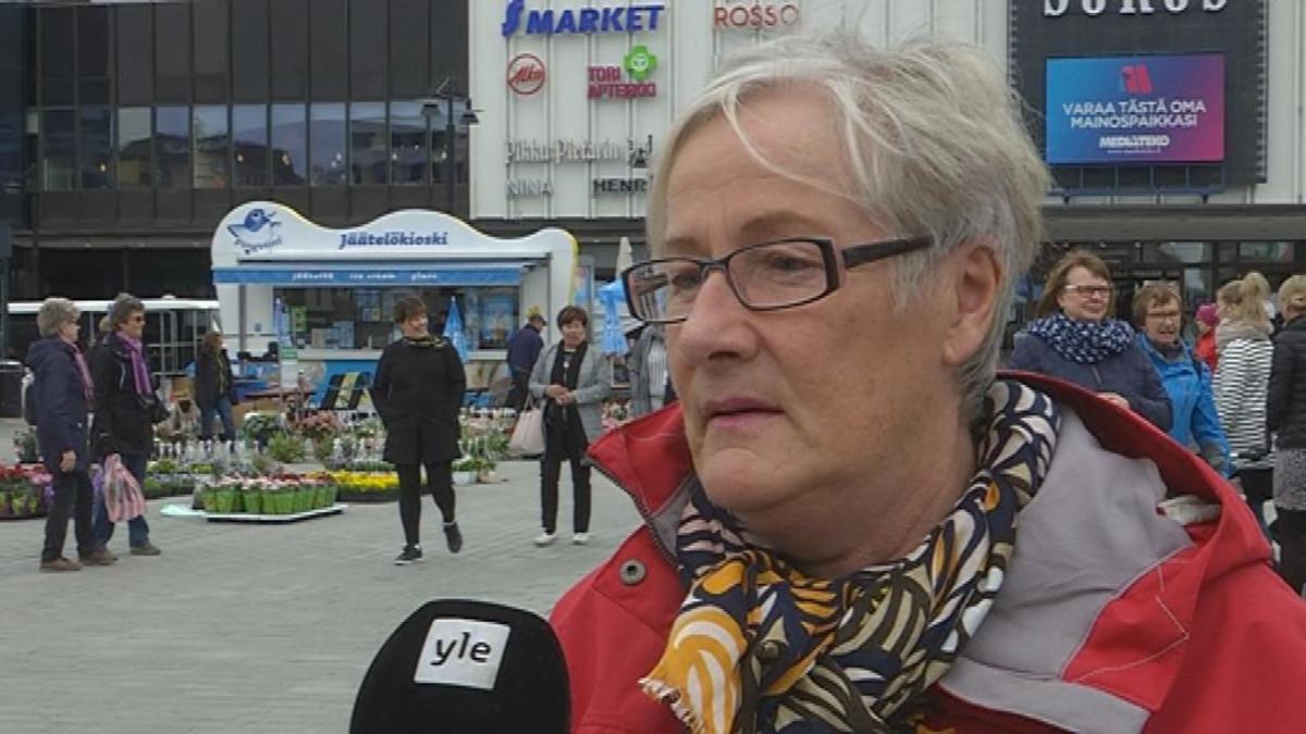 Iiris Törnroos Kuopiosta sanoo, että luottamus journalismiin on mennyt.