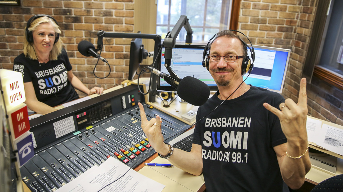 Olinit radiossa