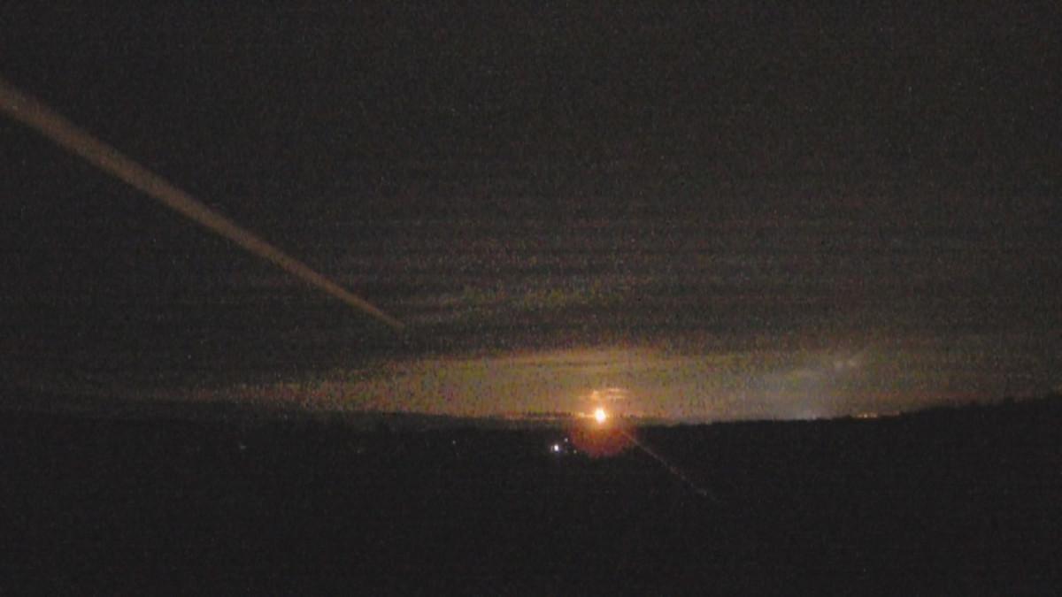 Valoilmiö taivaalla, kuvattu Lohtajalla.