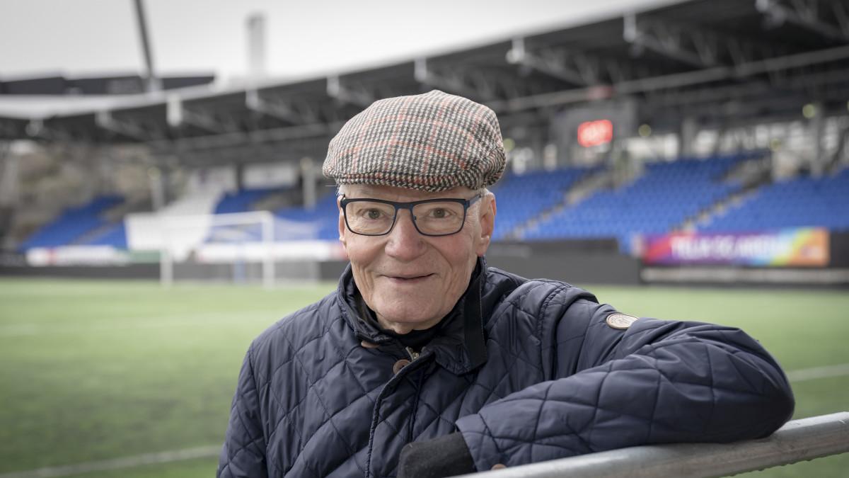Gunnar Yliharju , jalkapallomaajoukkueen entinen huoltaja