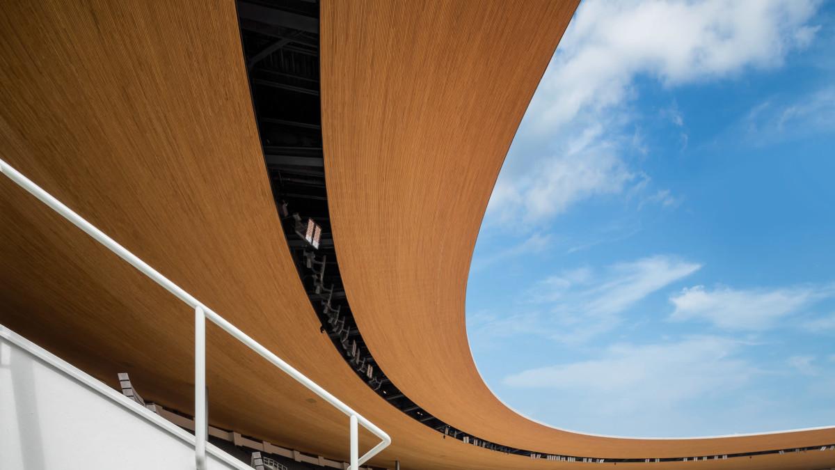 Olympiastadion on uusittu kauttaaltaan.