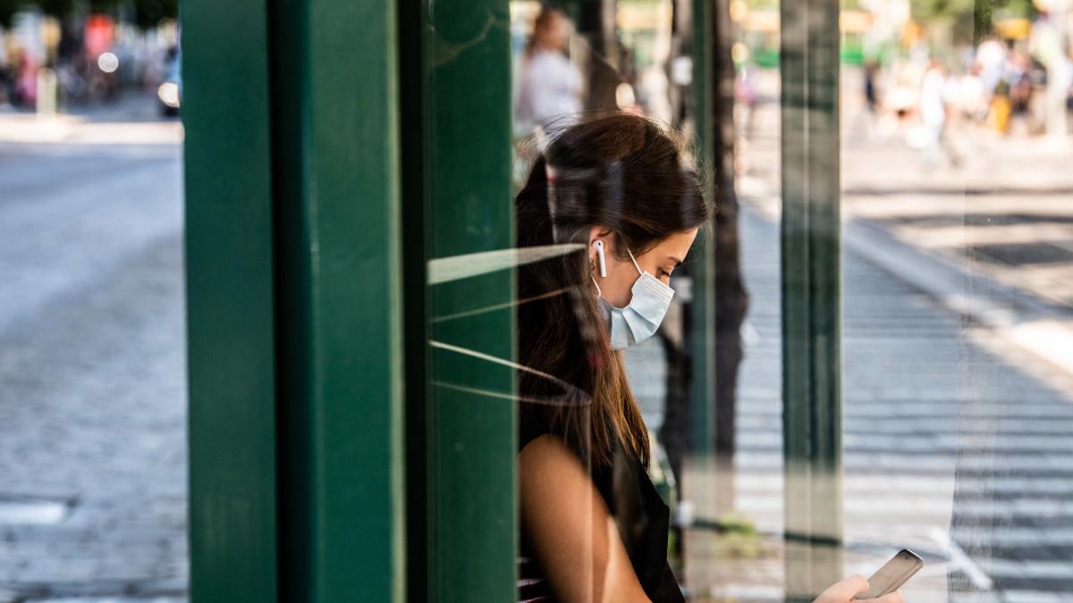 THL ja ministeriö kertovat tuoreimmat tiedot koronaepidemian tilanteesta Suomessa