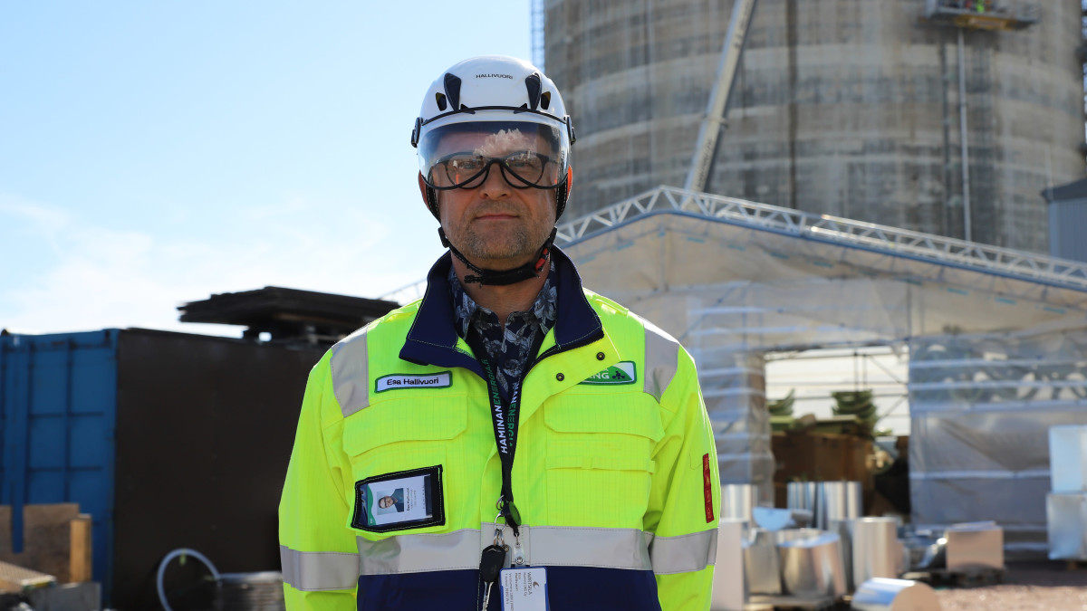 Hamina LNG Oy:n toimitusjohtaja Esa Hallivuori.