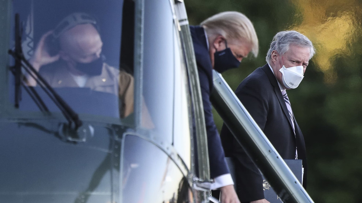 Koronatartunnan saanut Trump siirrettiin sairaalaan