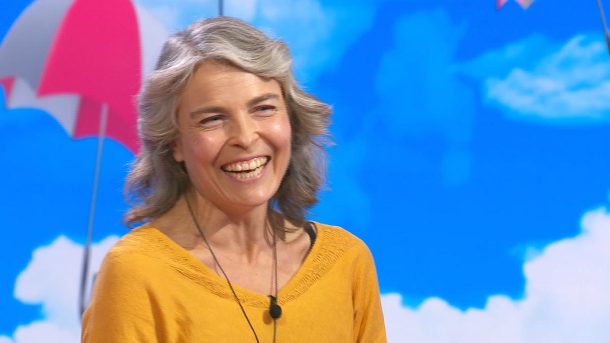 Näyttelijä Irina Björklund Puoli seiskan anagrammitestissä