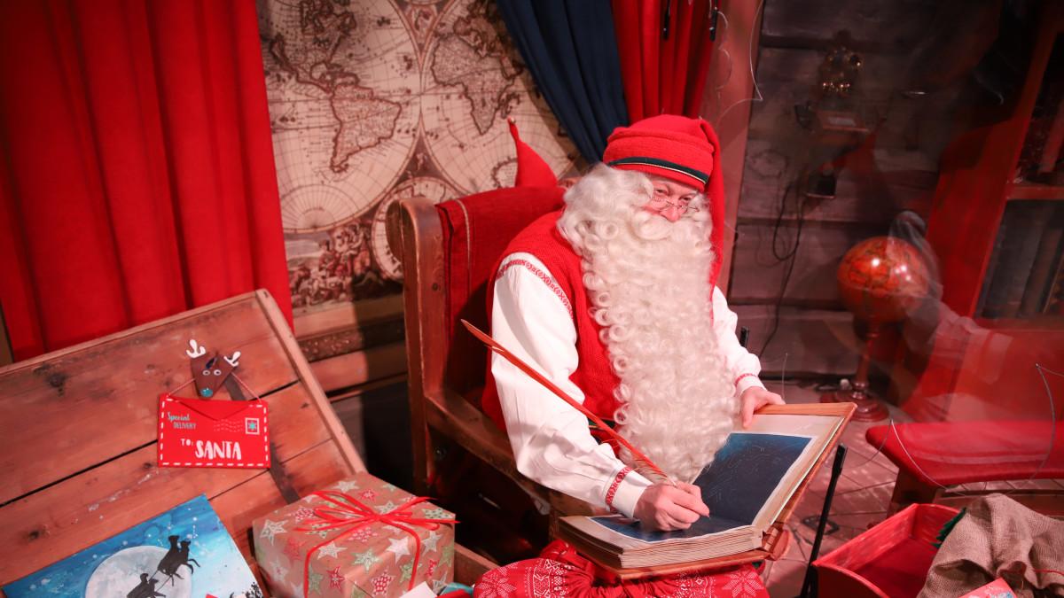 Joulupukin pajakylässä on hiljaista, kun vieraina on vain kotimaan matkailijoita