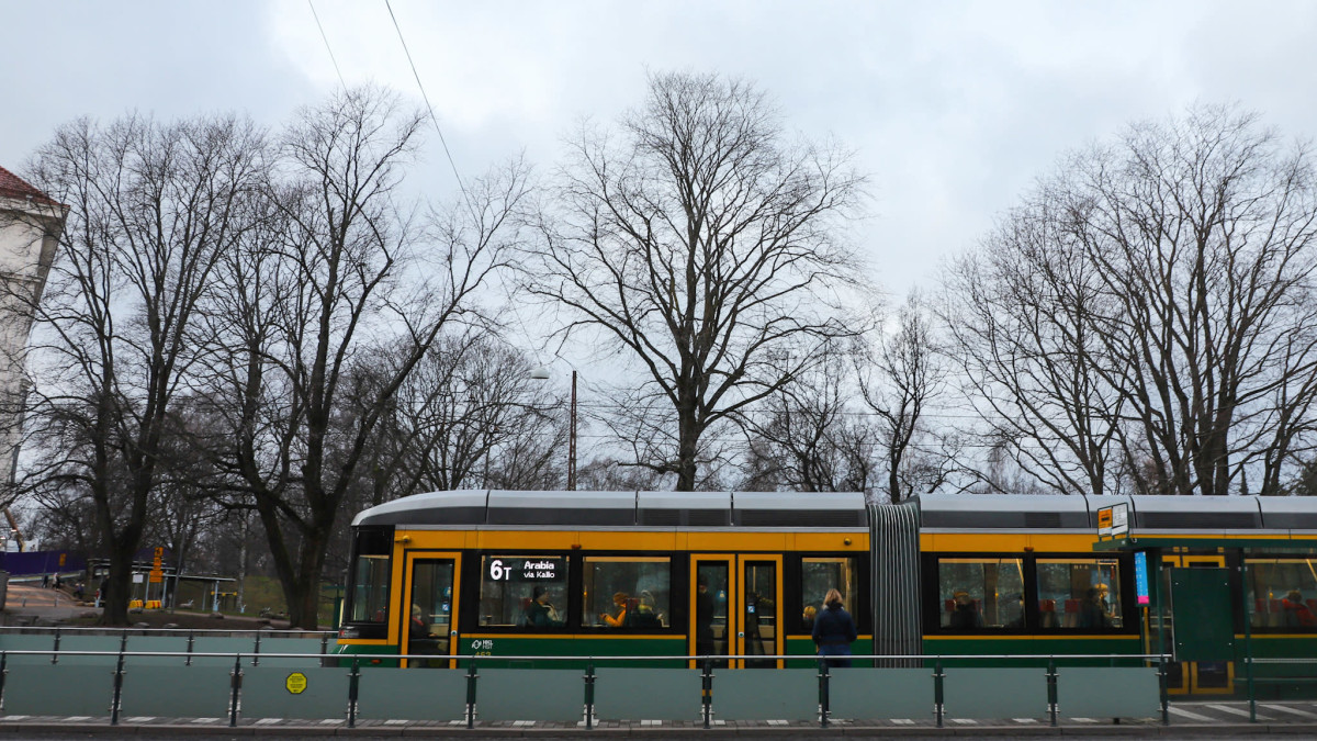Raitovaunu Helsingissä.