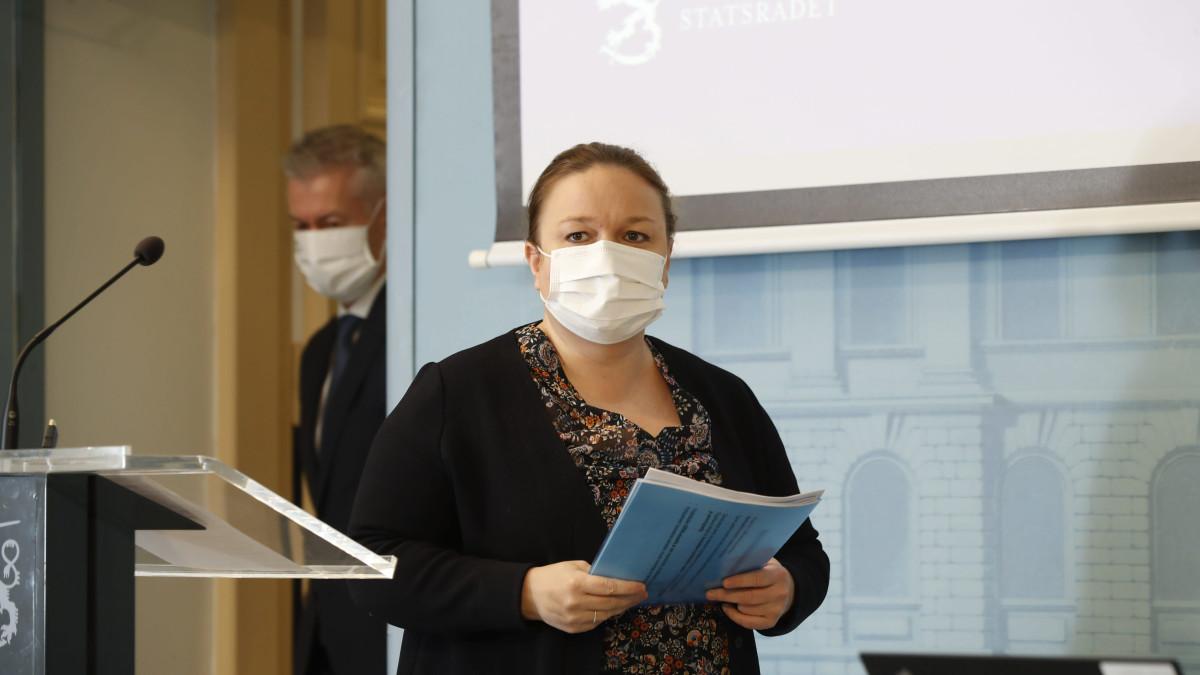 Koronainfo, kuvassa Krista Kiuru sekä Taneli Puumalainen