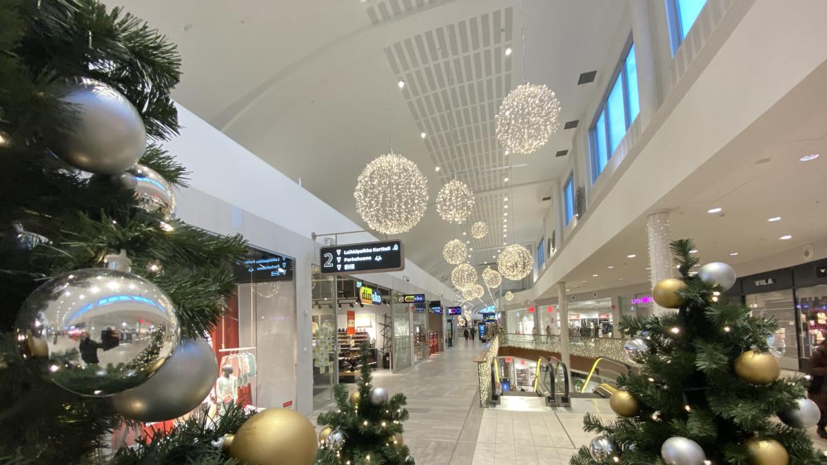 Tältä näyttää viime hetken jouluhulinat kauppakeskuksessa Kuopiossa