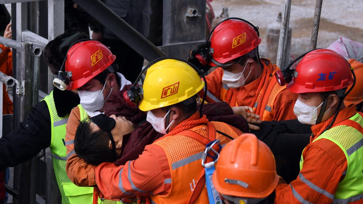 Kiinan kaivosmiesten pelastustyöt jatkuvat
