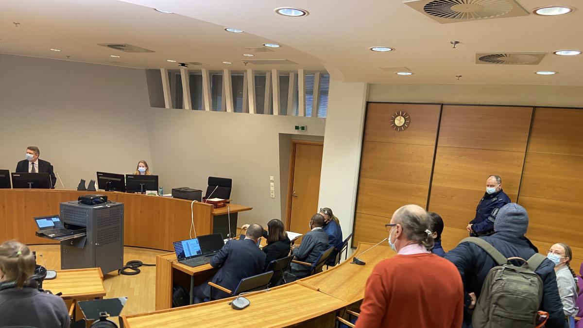 Poikkeuksellinen oikeudenkäynti alkaa - julmia sotarikoksia käsitellään Tampereella